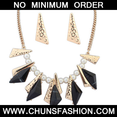Black Geometrical Shape Jewelry Set