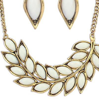Beige Leaf Shape Jewelry Set