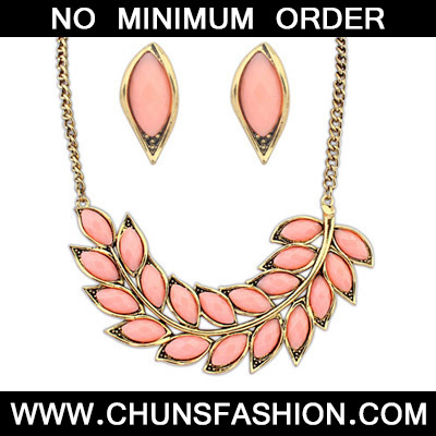 Pink Leaf Shape Jewelry Set