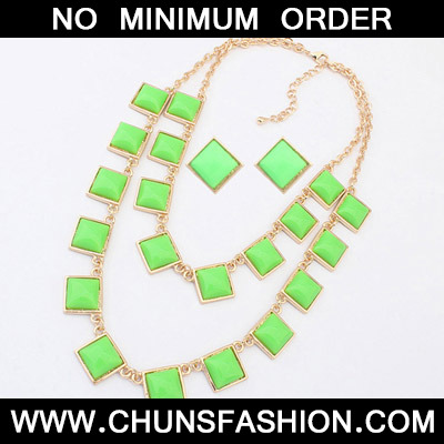 Green Sqaure Shape Jewelry Set