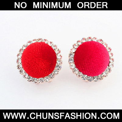 Red Diamond Decorared Round Shape Stud Earring