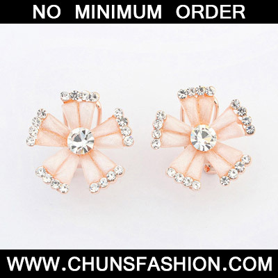 Light Pink Diamond Flower Stud Earring