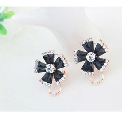 Black Diamond Flower Stud Earring