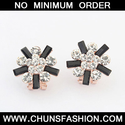 Black & White Diamond Flower Stud Earring