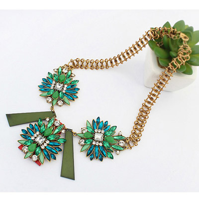 Green Diamond Symmetrical Necklace