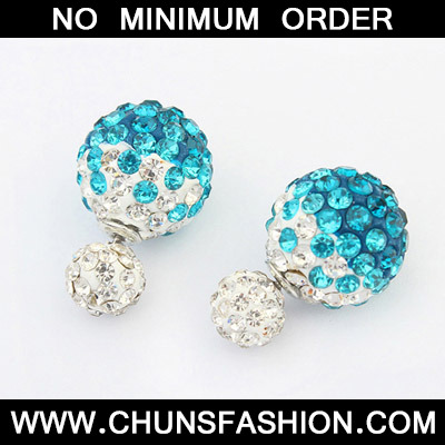 Blue Diamond Round Shape Stud Earring