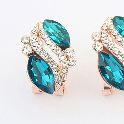 Blue Diamond Oval Shape Stud Earring